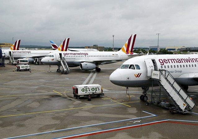 Los aviones de Germanwings detenidos por causa de la alerta en el aeropuerto de Colonia