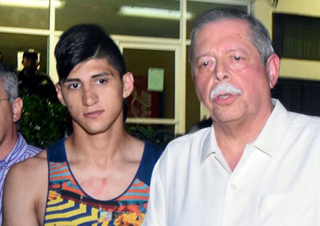 Futbolista mexicano, Alan Pulido, y gobernador del estado de Tamaulipas, Egidio Torre Cantu