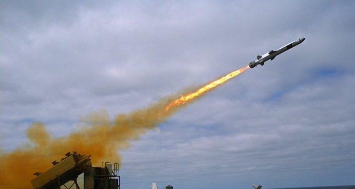 Lanzamiento de un Naval Strike Missile (Archivo)