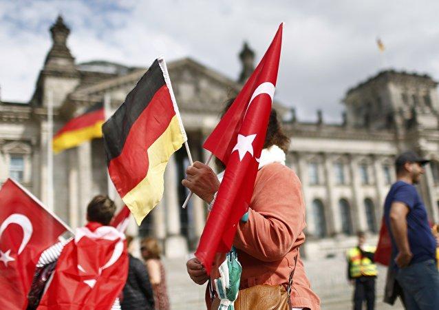 Banderas de Turquía y Alemania