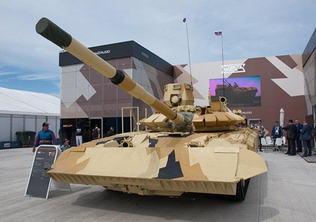 Tanque T-72 en la exposición Kadex-2016