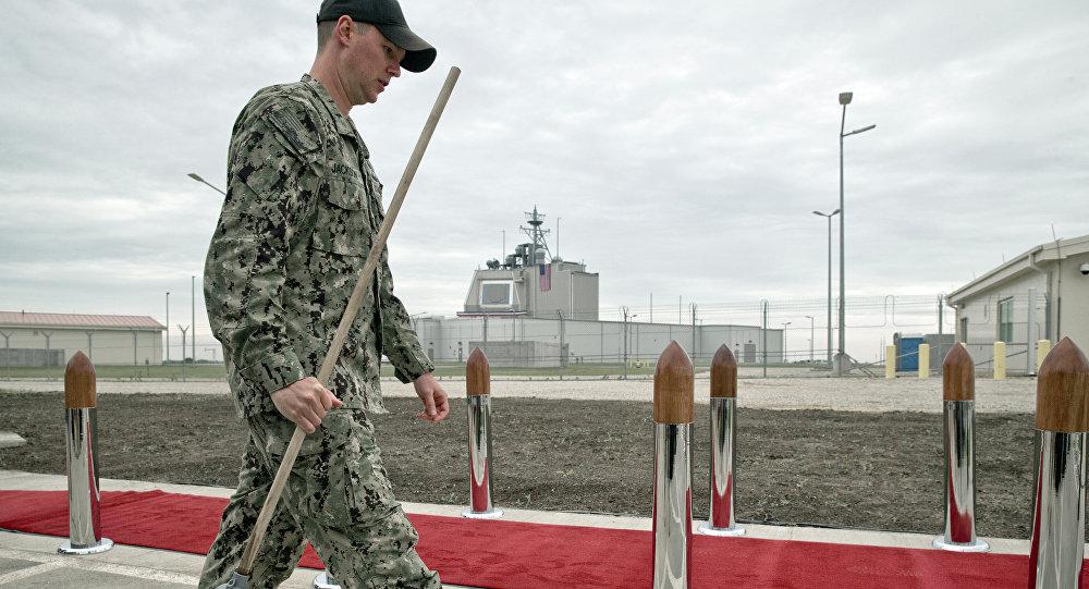 Un soldado estadounidense en la base Deveselu en Rumanía