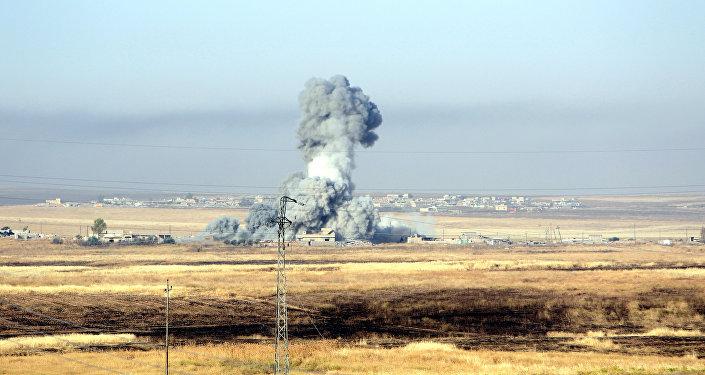 Ataque aéreo contra Daesh de la coalición liderada por EEUU