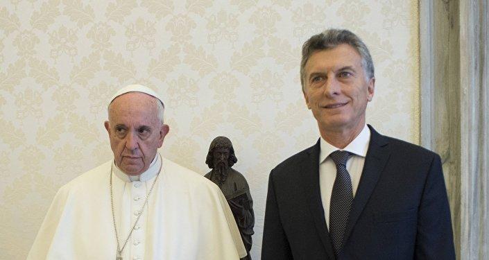 El Papa Francisco y el presidente de Argentina, Mauricio Macri