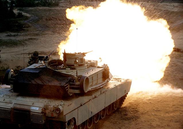 Tanques estadounidenses Abrams (imagem referencial)