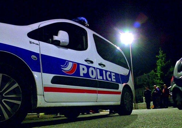 Lugar del asesinato de un policía cerca de París