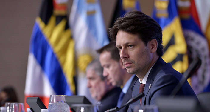 Guillaume Long, canciller de Ecuador