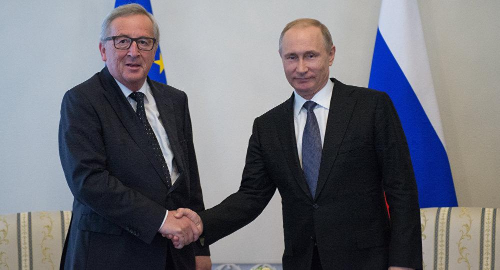 Jean-Claude Juncker, jefe de la Comisión Europea, y Vladímir Putin, presidente ruso
