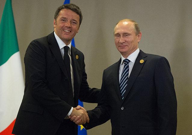 Vladímir Putin, presidente ruso, con Matteo Renzi, primer ministro italiano