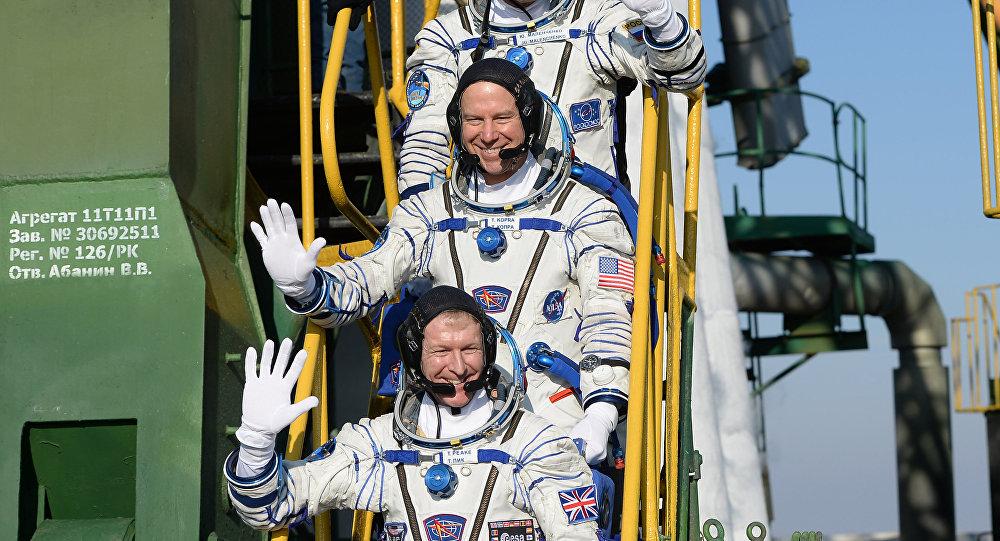 Los cosmonautos Timothy Peake, Timothy Kopra, Yuri Malénchenko