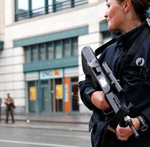 Una policía belga