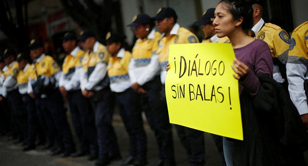 Una manifestación después de los enfrentamientos en Oaxaca