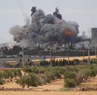 Las consecuencias de un ataque aéreo (archivo)