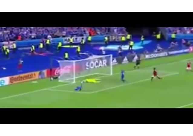 El comentarista islandés se vuelve loco al marcar su eqipo un gol