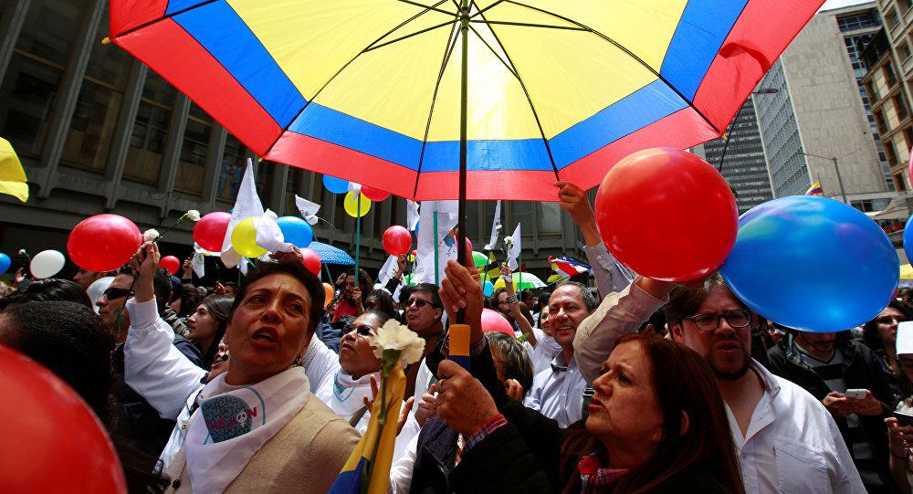 Traducen acuerdo de paz a seis lenguas nativas de Colombia
