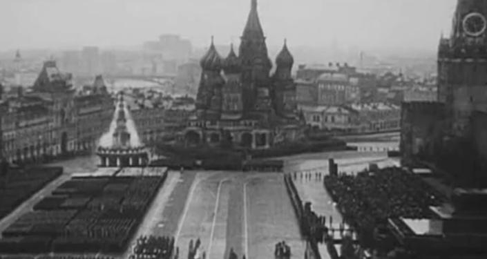 El primer Desfile de la Victoria