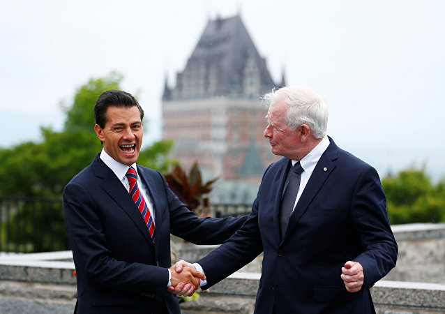 Presidente de México, Enrique Peña Nieto  y gobernador general de Canadá, David Johnston