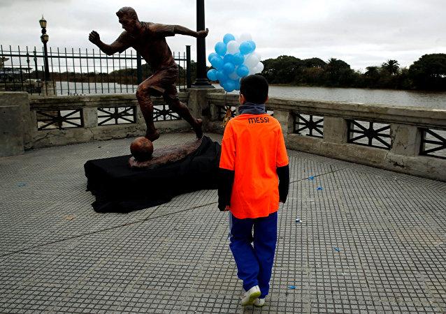 La estatua de Lionel Messi en Buenos Aires