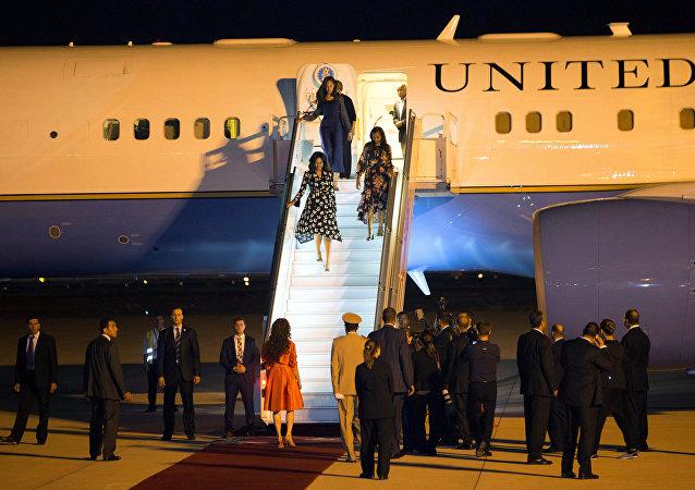 Familia Obama llega a Marruecos