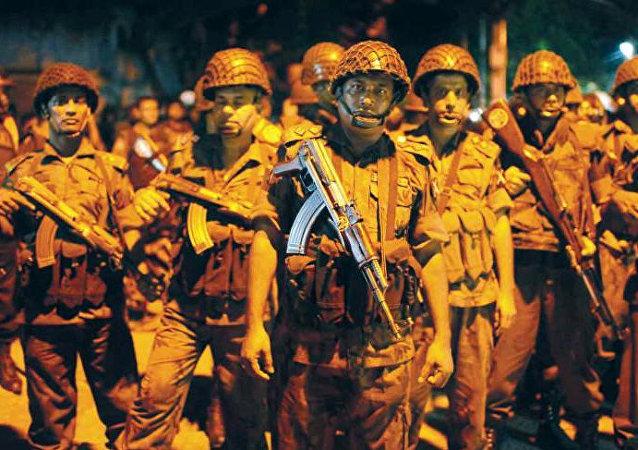 Miembros de la guardia fronteriza de Bangladés