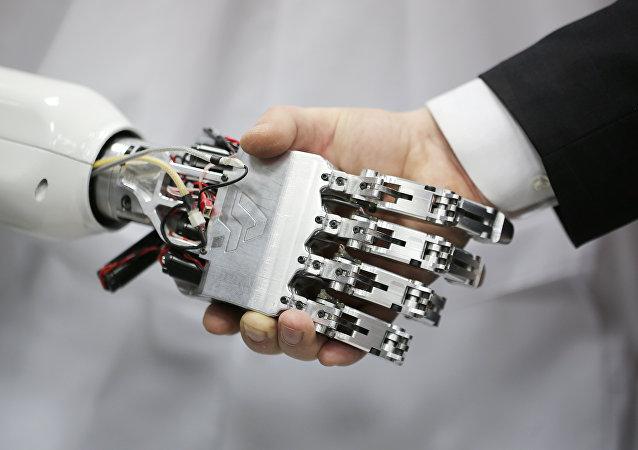 Apretón de manos con un robot