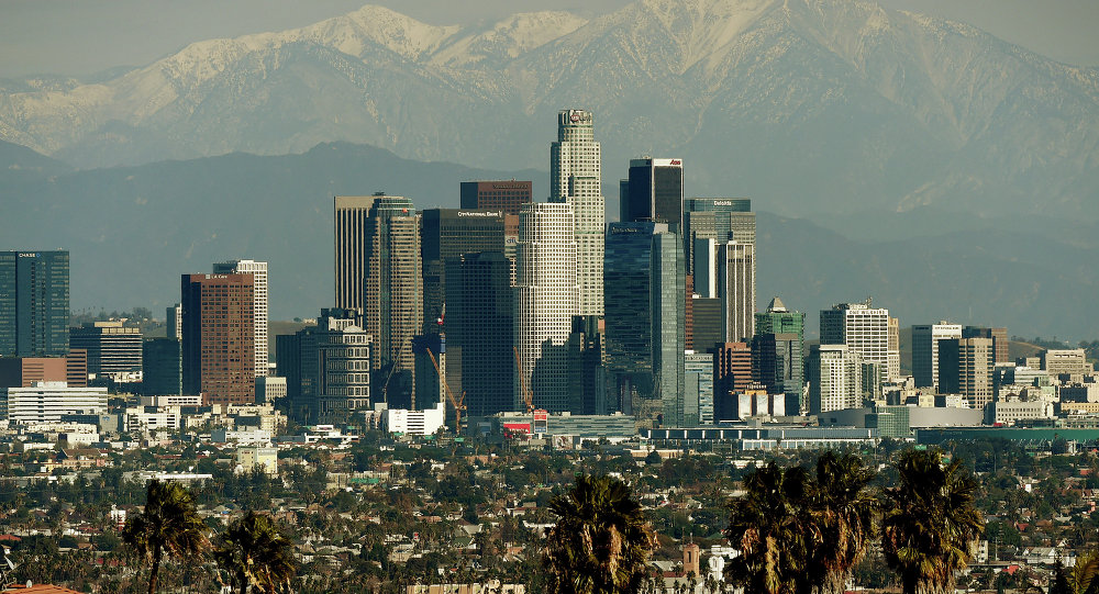 Camioneta arrolla a peatones en Los Ángeles; hay seis lesionados