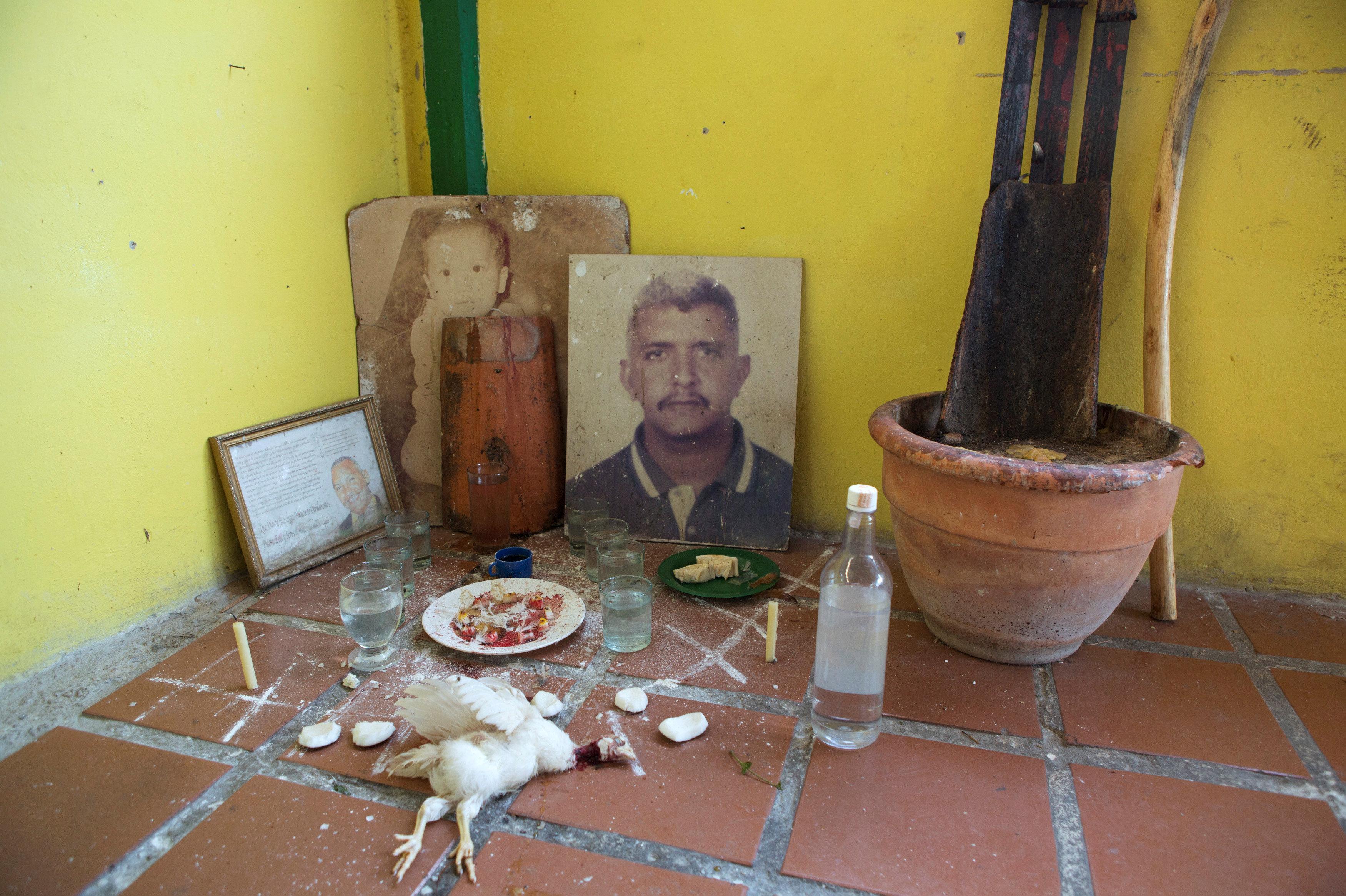 'El rincón rojo', en la casa de un adepto en Caracas