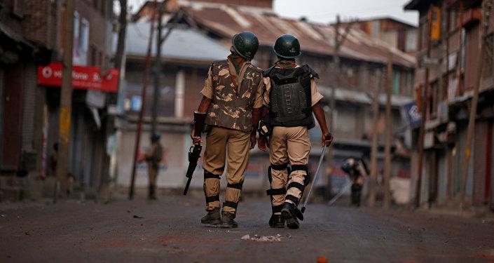 Policías indios
