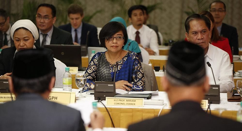 Miriam Coronel Ferrer, participante de las negociaciones entre el Gobierno de Filipinas y el Frente Moro Islámico de Liberación