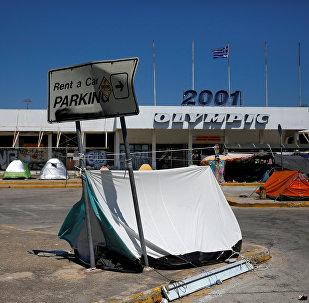 El centro de acogida de refugiados, habitado en el antiguo aeropuerto internacional ateniense de Hellenikon, Grecia