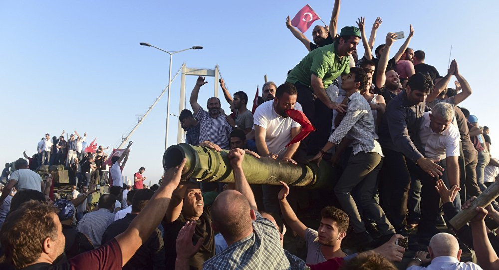 La primera mañana después del fracasado intento de golpe de Estado en Turquía