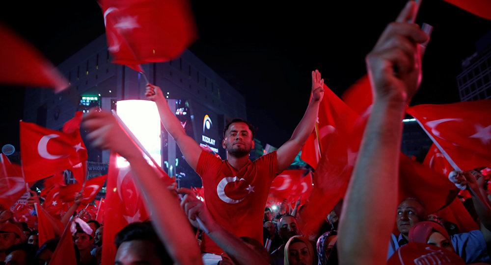Los seguidores del Gobierno de Turquía