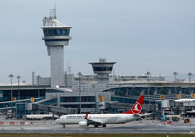 El aeropuerto Ataturk en Estambul, Turquía (archivo)