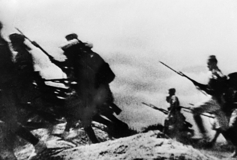 Ataque de los franquistas durante la guerra civil en España