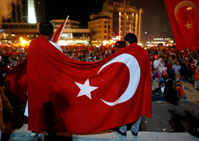 Manifestación en apoyo de Recep Tayyip Erdogan, el presidente de Turquía, tras el fallido golpe militar
