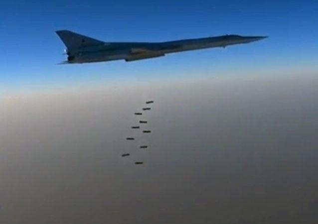 Golpe de los bombarderos supersónicos contra Daesh