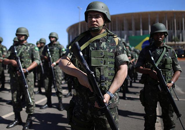 Policías y fuerzas militares de Brasil (archivo)