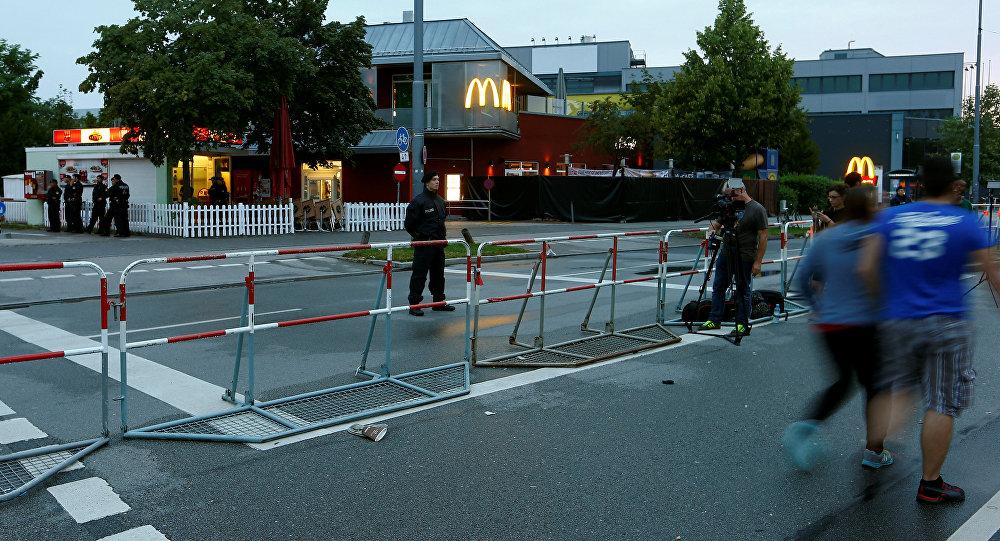 Un policía alemán cerca del centro comercial Olympia en Múnich