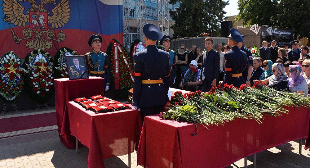 El entierro de los pilotos Jabibulin y Dolguin
