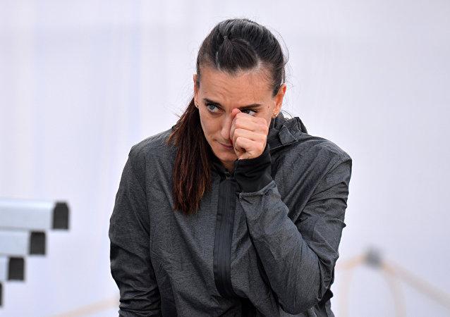 Elena Isinbáyeva, bicampeona olímpica de salto con garrocha