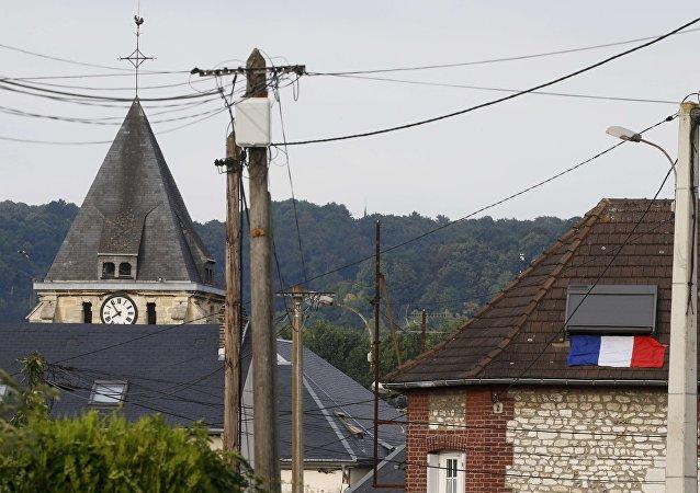 La aglesia de Saint-Étienne-du-Rouvray Normandía, Francia, donde mataron al sacerdote Jacques Hamel