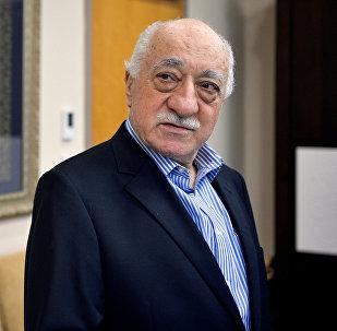 Fethullah Gulen, clérigo islámico turco y opositor al presidente Recep Tayyip Erdogan (archivo)