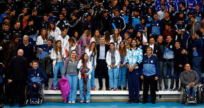 Mauricio Macri y equipo olímpico de Argentina