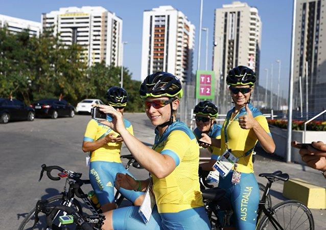 Deportistas australianos en la Villa Olímpica