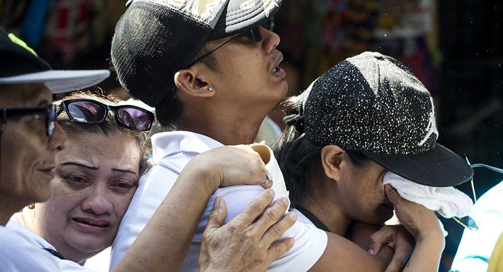 El funeral de una de las víctimas de la lucha contra los narcotraficantes en Filipinas