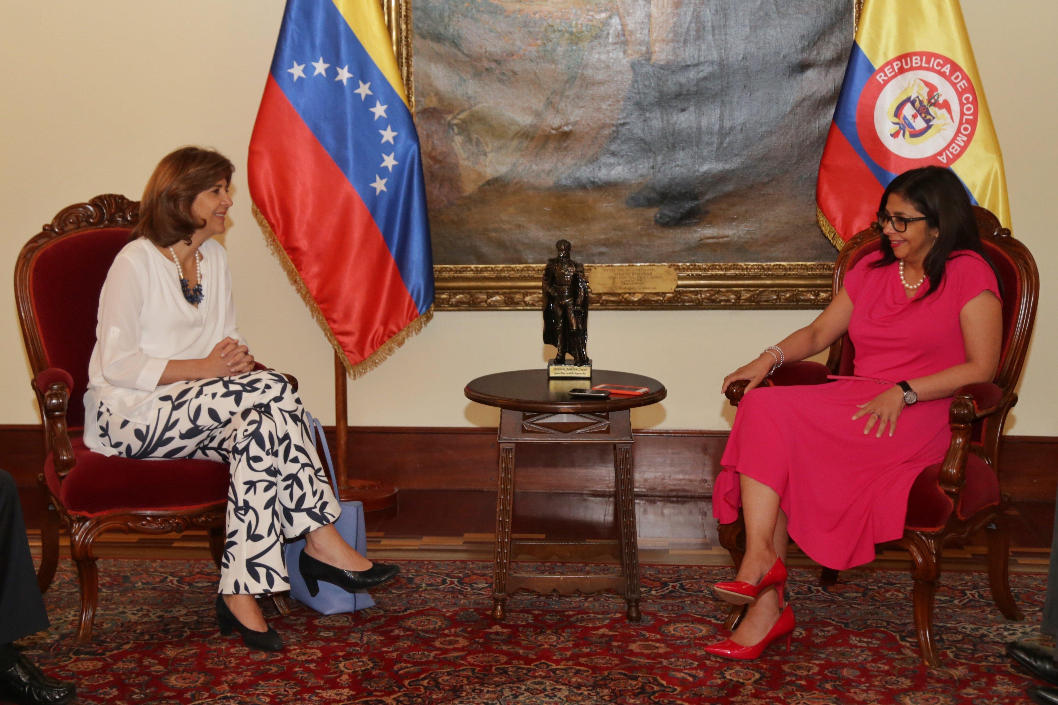 Reunión entre las cancillers de Colombia y Venezuela en Caracas