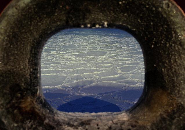 Una expedición al océano Ártico (archivo)