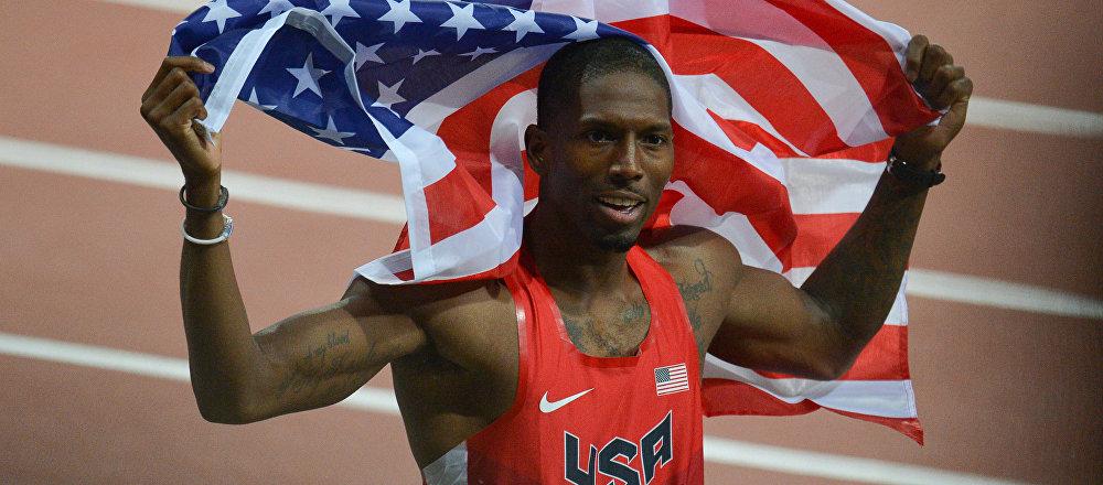 Michael Tinsley después de la carrera final en los 400 metros con vallas para hombres en el Campeonato Mundial de Atletismo de Moscú 2012