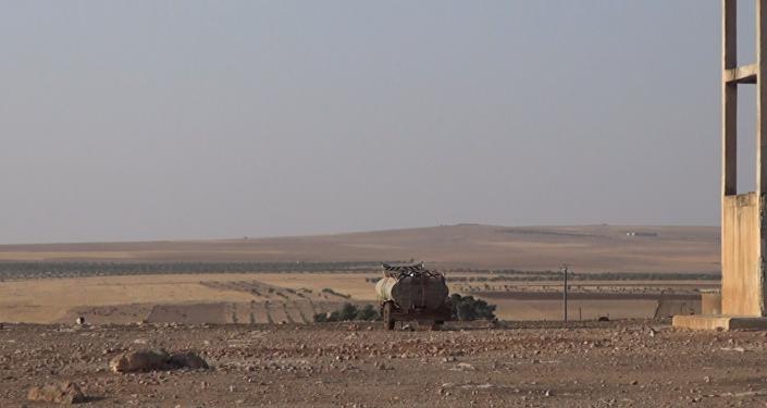 El Ejército sirio bombardea los camiones en los que Daesh transporta petróleo