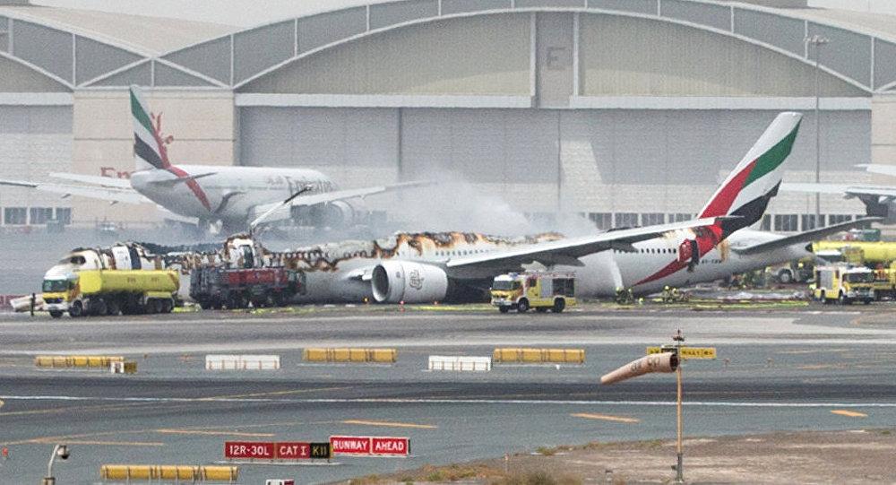 Un avión de la aerolínea Emirates se ha visto obligado a realizar un aterrizaje forzoso en Dubái